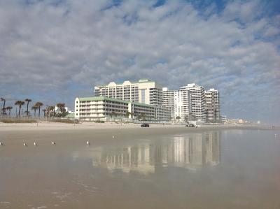 Daytona Beach Condo/Townhouse For Sale: 2700 N Atlantic Avenue #1118