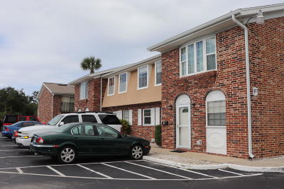 South Daytona Condo/Townhouse For Sale: 2200 S Palmetto Avenue #F030