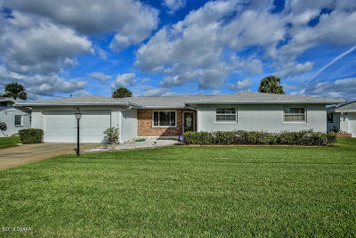 South Daytona Single Family Home For Sale: 134 Coral Circle