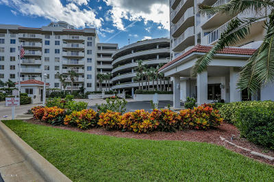 Daytona Beach Shores Condo/Townhouse For Sale: 3 Oceans West Boulevard #4A8