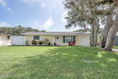 New Smyrna Beach Single Family Home For Sale: 815 E 17th Avenue