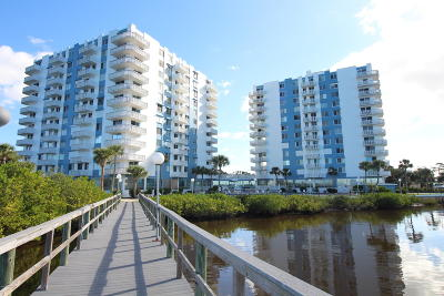 Daytona Beach Condo/Townhouse For Sale: 935 N Halifax Avenue #902