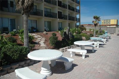 Daytona Beach Condo/Townhouse For Sale: 219 S Atlantic Avenue #323