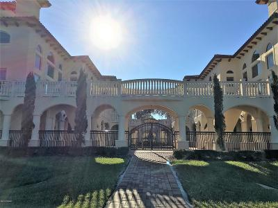 Port Orange Condo/Townhouse For Sale: 5090 Riverside Drive #105