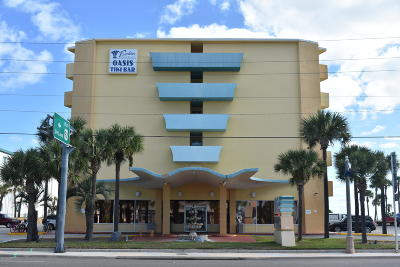Daytona Beach Condo/Townhouse For Sale: 313 S Atlantic Avenue #602 & 60