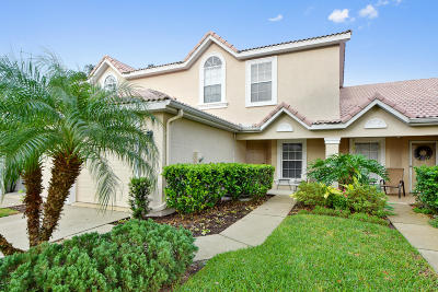 Volusia County Attached For Sale: 48 Golf Villa Drive