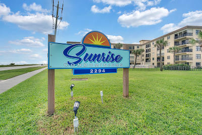 Ormond Beach Condo/Townhouse For Sale: 2294 Ocean Shore Boulevard #4020