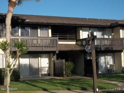 Palm Coast Condo/Townhouse For Sale: 48 Club House Drive #101