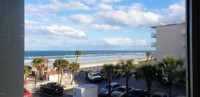 Daytona Beach Condo/Townhouse For Sale: 1233 S Atlantic Avenue #3060