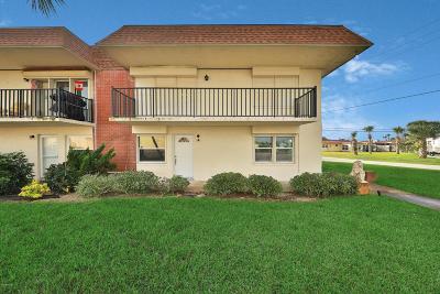 Ormond Beach Condo/Townhouse For Sale: 10 Lynnhurst Drive #1010