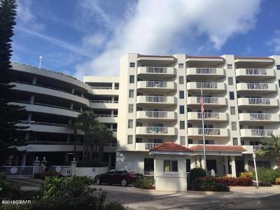 Daytona Beach Shores Condo/Townhouse For Sale: 3 Oceans West Boulevard #1D4