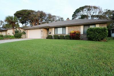 Ormond Beach Single Family Home For Sale: 47 Longfellow Circle