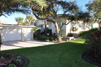 New Smyrna Beach Single Family Home For Sale: 2111 Ocean Drive