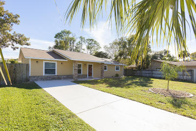 Ormond Beach Single Family Home For Sale: 103 Hickory Hills Circle