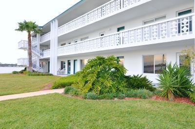 Daytona Beach Condo/Townhouse For Sale: 3015 N Halifax Avenue #C4