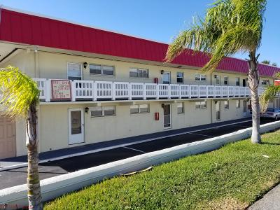 Daytona Beach Condo/Townhouse For Sale: 2801 N Halifax Avenue #152