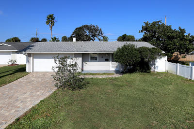 Ormond Beach Single Family Home For Sale: 33 Plaza Drive