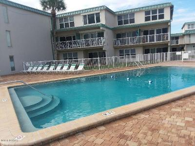 New Smyrna Beach Condo/Townhouse For Sale: 4849 Saxon Drive #A201