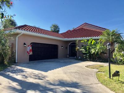 Pelican Bay Single Family Home For Sale: 156 Snowgoose Court