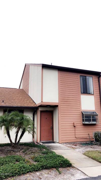 Daytona Beach Condo/Townhouse For Sale: 178 White Fawn Drive #1780