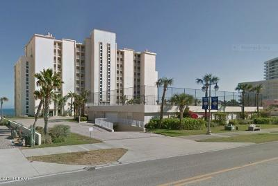 Daytona Beach Condo/Townhouse For Sale: 3831 S Atlantic Avenue #206