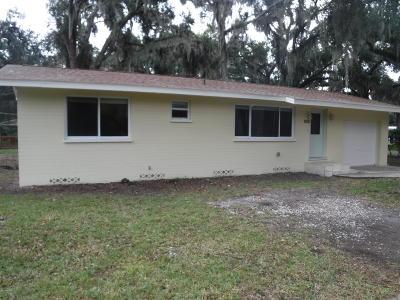 South Daytona Single Family Home For Sale: 905 Longshadow Road