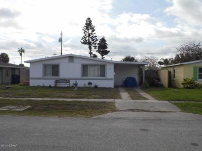 Single Family Home For Sale: 11 Margaret Road