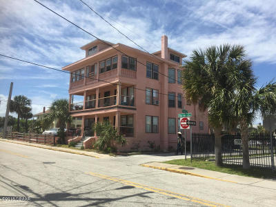 Daytona Beach Multi Family Home For Sale: 707 Harvey Avenue