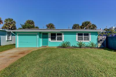 New Smyrna Beach Single Family Home For Sale: 308 Normandy Avenue