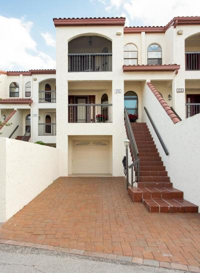 New Smyrna Beach Attached For Sale: 152 Marina Bay Drive