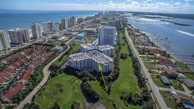 Daytona Beach Condo/Townhouse For Sale: 3 Oceans West Boulevard #6B3