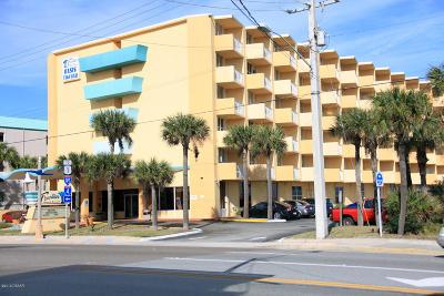 Daytona Beach Condo/Townhouse For Sale: 313 S Atlantic Avenue #320