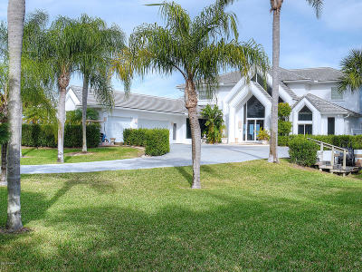 New Smyrna Beach Single Family Home For Sale: 1711 S Riverside Drive
