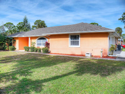 New Smyrna Beach Single Family Home For Sale: 2600 Crestwood Avenue