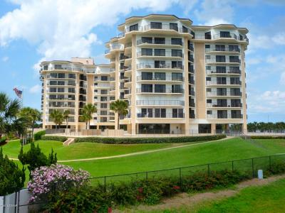 New Smyrna Beach Condo/Townhouse For Sale: 503 N Causeway #203