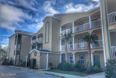 New Smyrna Beach Condo/Townhouse For Sale: 468 Bouchelle Drive #329