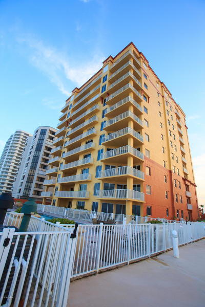 Daytona Beach Condo/Townhouse For Sale: 2901 S Atlantic Avenue #PH102