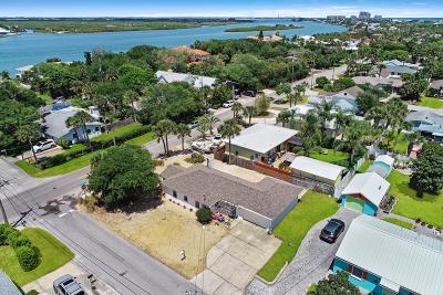 New Smyrna Beach Single Family Home For Sale: 503 N Peninsula Avenue