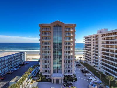 Daytona Beach Condo/Townhouse For Sale: 3737 S Atlantic Avenue #102