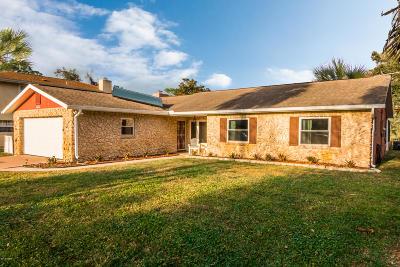 Daytona Beach Single Family Home For Sale: 1121 Golfview Drive