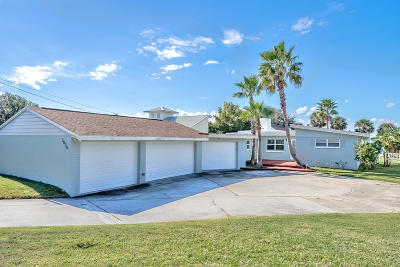 Daytona Beach Shores Single Family Home For Sale: 3036 S Peninsula Drive