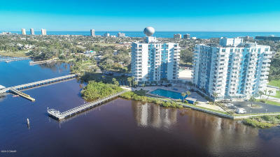 Daytona Beach Condo/Townhouse For Sale: 935 N Halifax Avenue #101