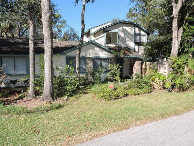 Ormond Beach Single Family Home For Sale: 28 Baymeadow Court