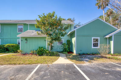 Volusia County Attached For Sale: 23 Tomoka Meadows Boulevard