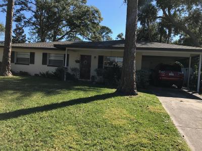 South Daytona Single Family Home For Sale: 591 Cambridge Circle