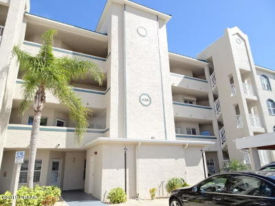 New Smyrna Beach Condo/Townhouse For Sale: 428 Bouchelle Drive #204