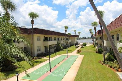 Daytona Beach Condo/Townhouse For Sale: 2801 N Halifax Avenue #253