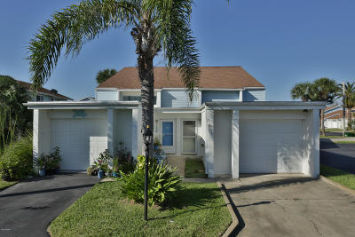 Volusia County Attached For Sale: 53 Chippingwood Lane