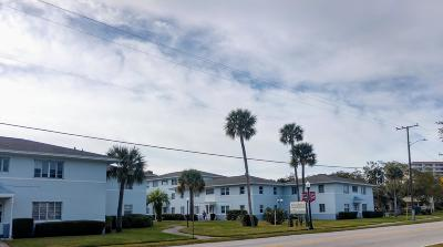 Daytona Beach Condo/Townhouse For Sale: 500 S Beach Street #20