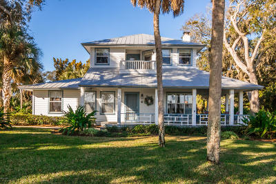 New Smyrna Beach Single Family Home For Sale: 602 N Riverside Drive